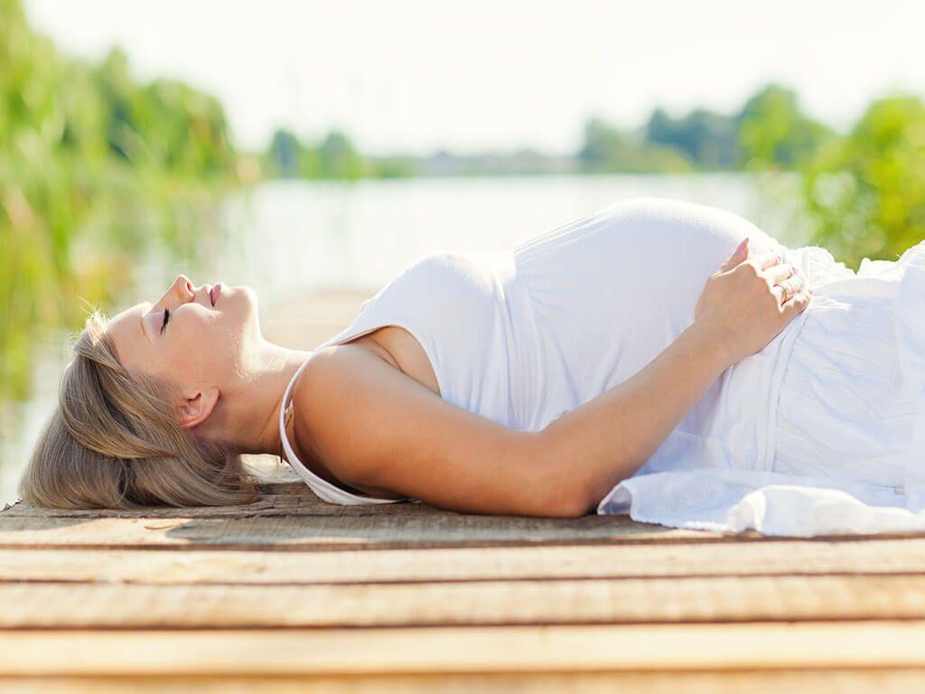 Lee más sobre el artículo 12 medidas para sobrevivir al calor durante el embarazo