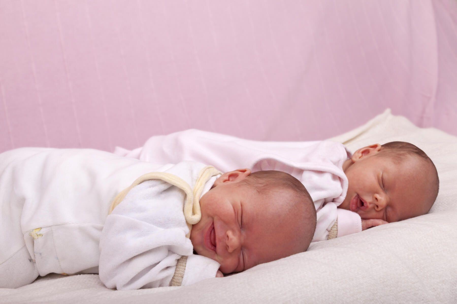 Lee más sobre el artículo Los síntomas principales del embarazo gemelar